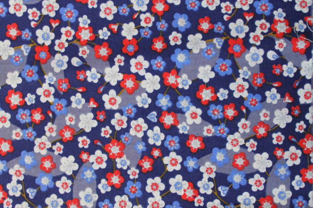 Fleurs bleu et rouge