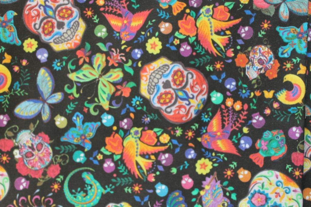 Têtes de mort multicolores